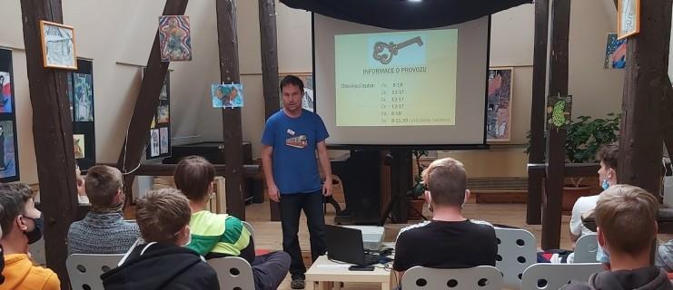 Interaktivní hodina češtiny v městské knihovně – podpora čtenářské gramotnosti