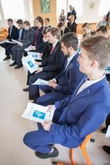 Fotogalerie Předávání maturitních vysvědčení, foto č. 17